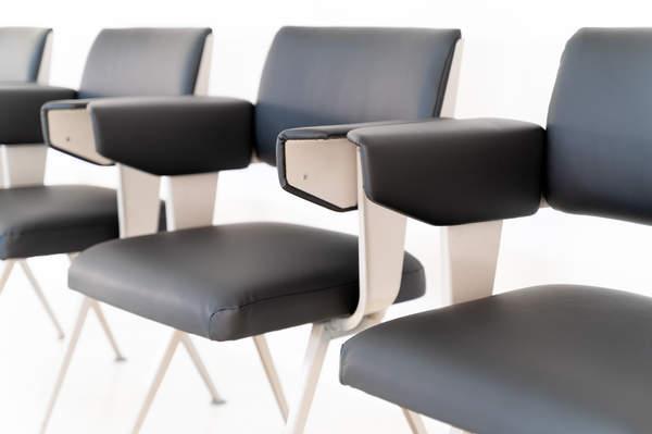 011_019-resort-chair-friso-kramer-30.jpg