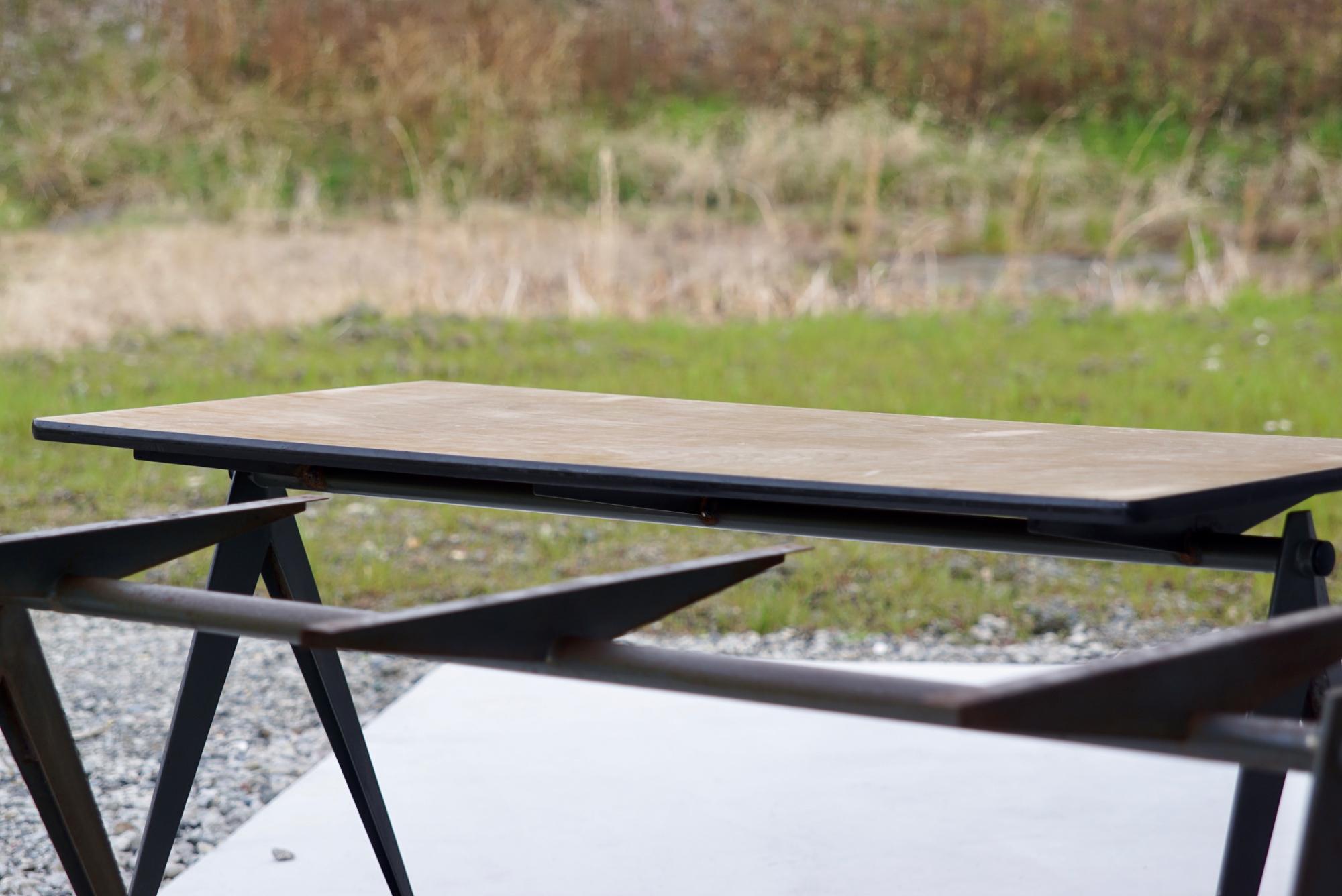 004_008A インダストリアル コンパステーブル - 40