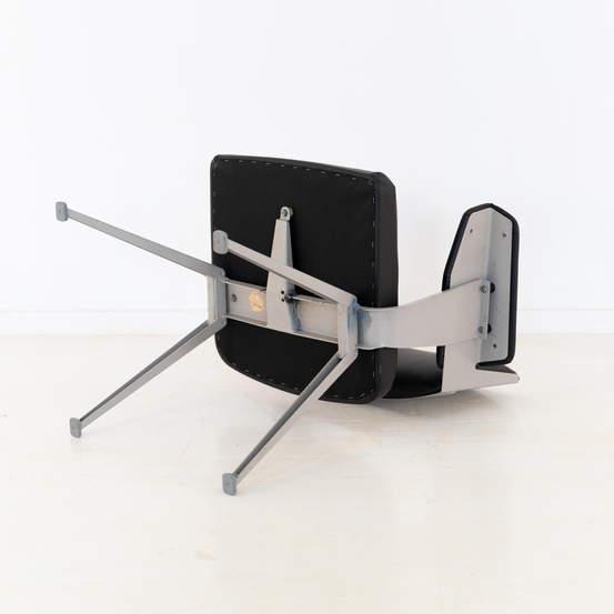 011_019-resort-chair-friso-kramer-06.jpg
