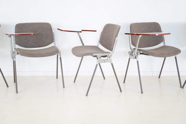 011_008-castelli-chair-with-writing-tabletop-089.jpg