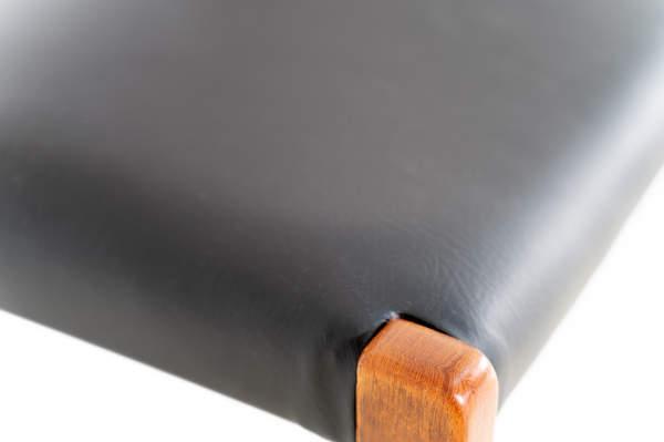 011_004-niels-otto-moller-chair-71-33jp