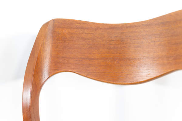 011_004-niels-otto-moller-chair-71-18jp