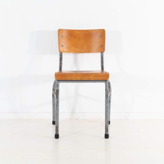 re_009-vintage-school-chair-grey-2-17jp