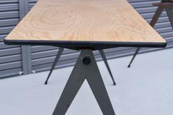 004_008A インダストリアル コンパステーブル - 45