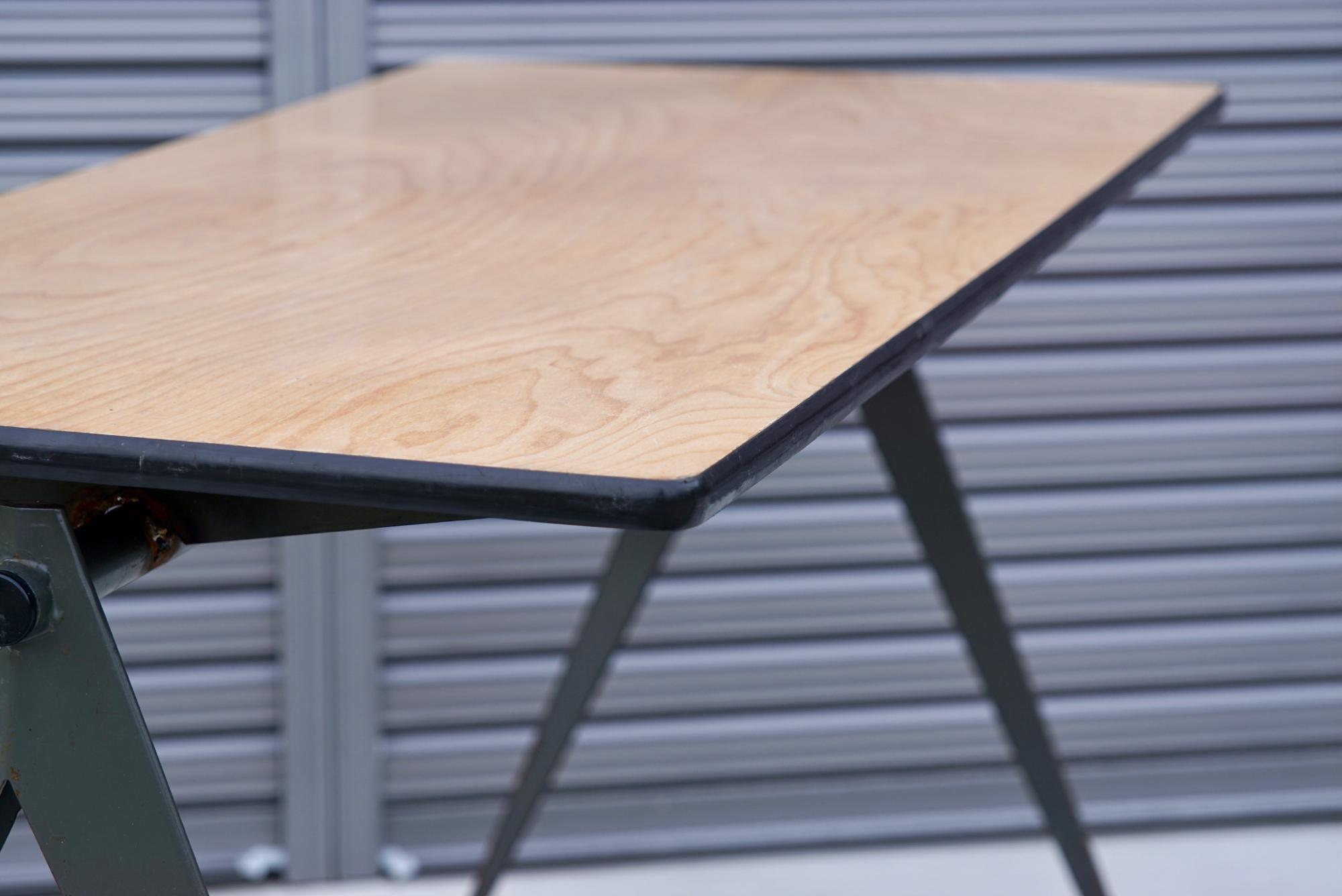 004_008A インダストリアル コンパステーブル - 47