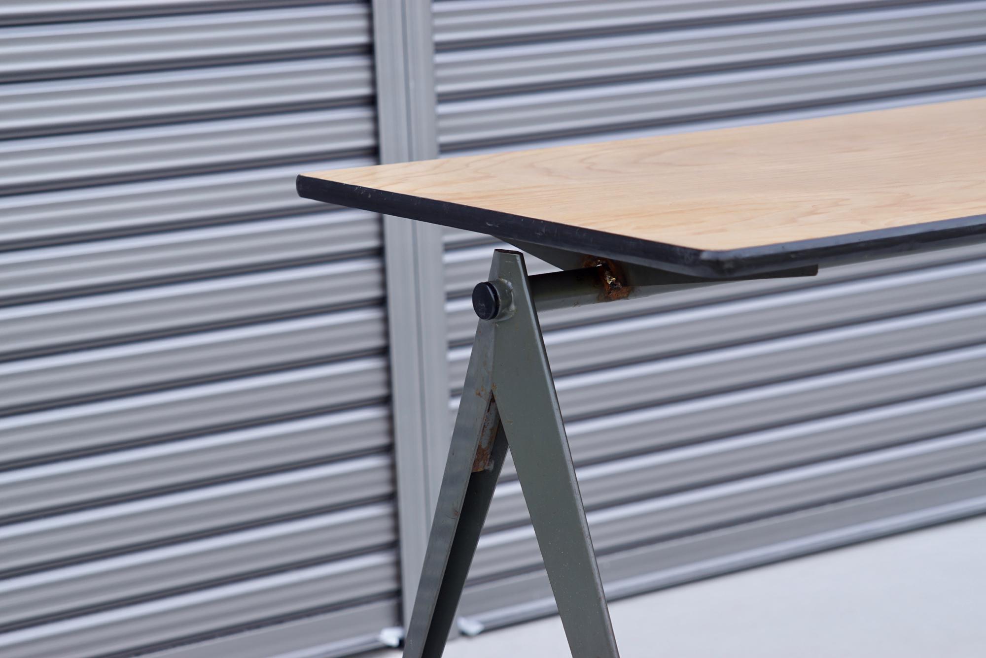 004_008A インダストリアル コンパステーブル - 10