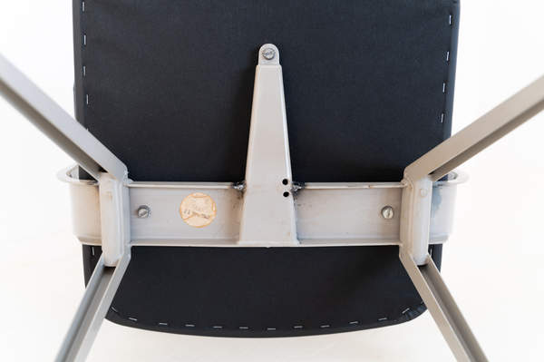 011_019-resort-chair-friso-kramer-05.jpg