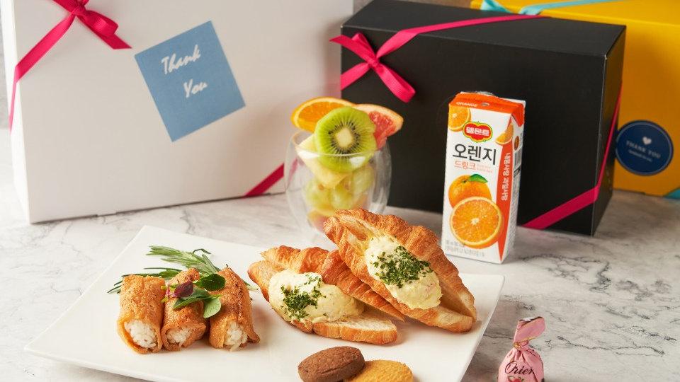 에그 크로와상 2개 & 유부초밥 & 컵과일 & 팩주스