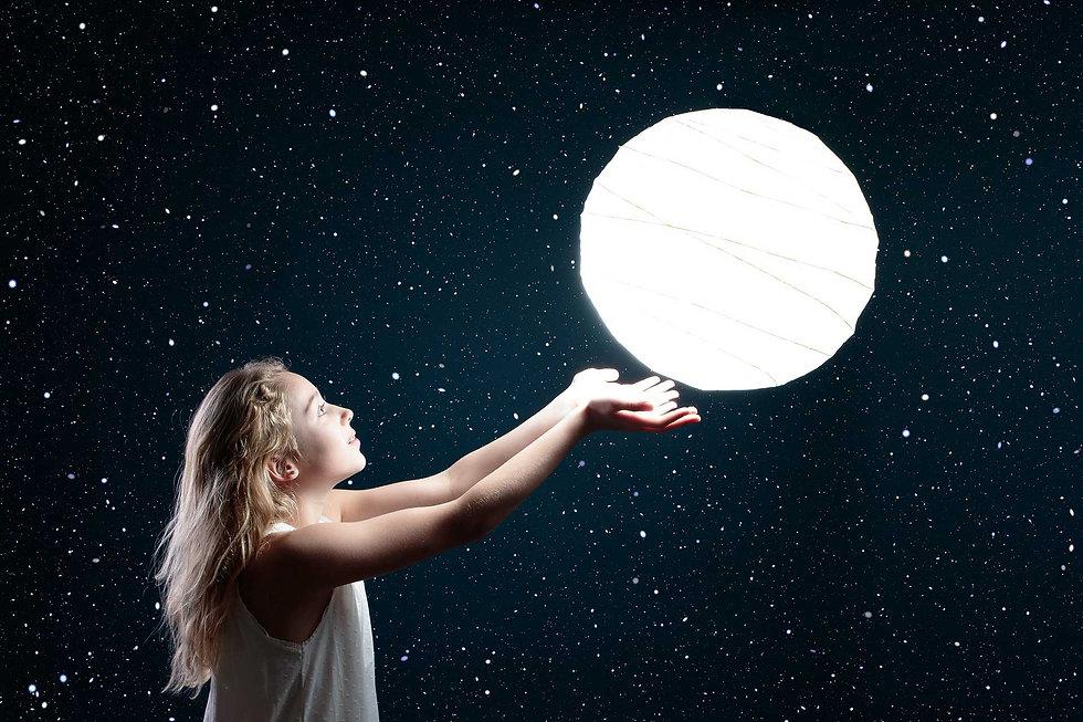 moon-3144648_1920_low.jpg