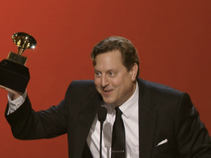 Jason Vieaux Wins 2015 Grammy for Best Classical Instrumental Solo for PLAY