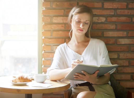 Liệu Pháp Viết (Writing Therapy): Sử Dụng Một Chiếc Bút, Một Tờ Giấy Để Phát Triển Bản Thân