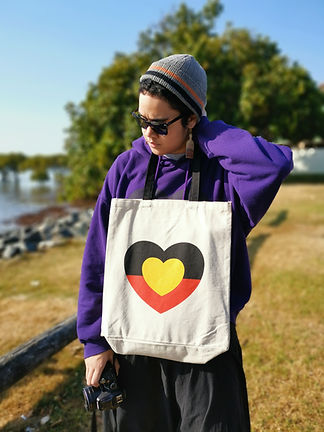 Love Heart tote using the Aborginal Flag colours. Designed by Super Native Unlimited.