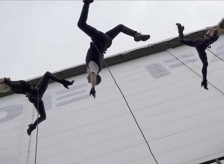 AIRA - vertical wall dance