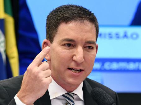 """Glenn Greenwald - """"The FBI Shapes Liberal Corporate Media"""""""