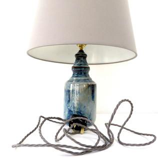Lamp bases and lampshades