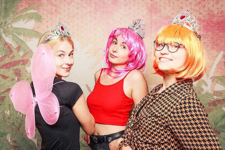 Junge-Frauen-Krone-Fotoshooting-Knipsere
