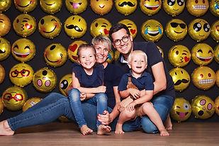 Familie-Emoji-Ballon-Knipserei.jpg