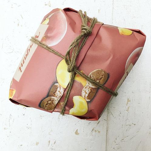 Vergani Peach and Amaretto Colomba Easter Cake