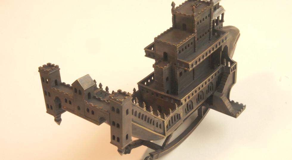 尾の部分も城