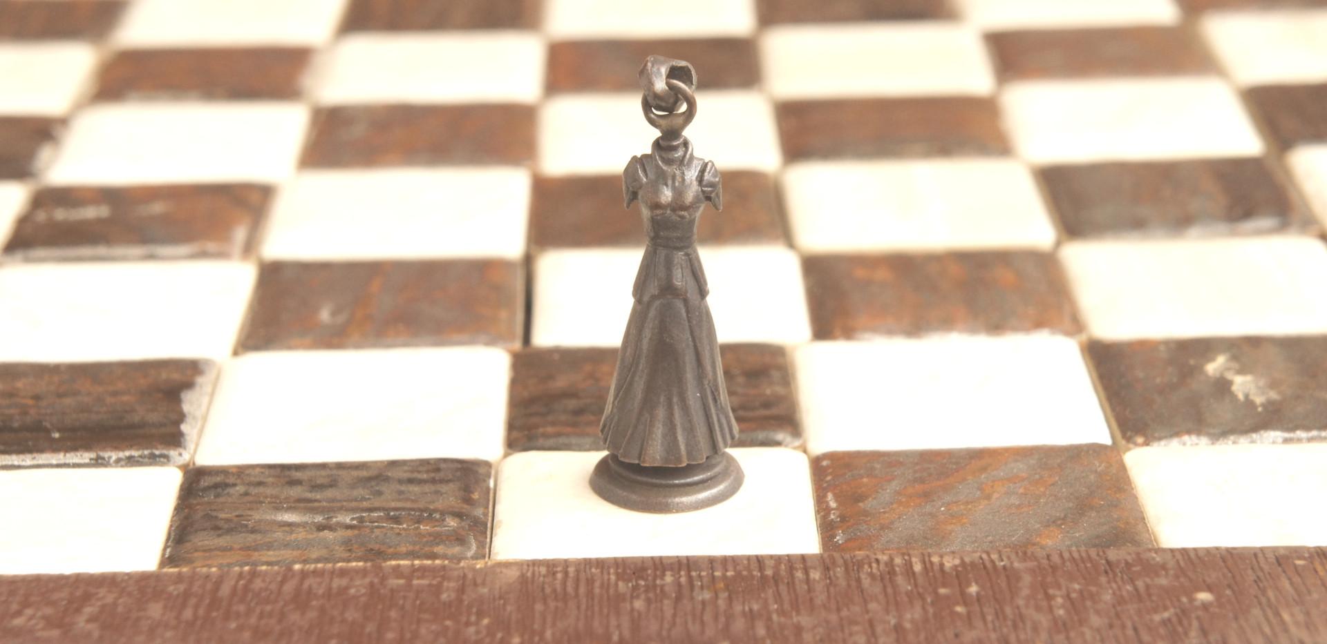 チェスのクイーンとして使える