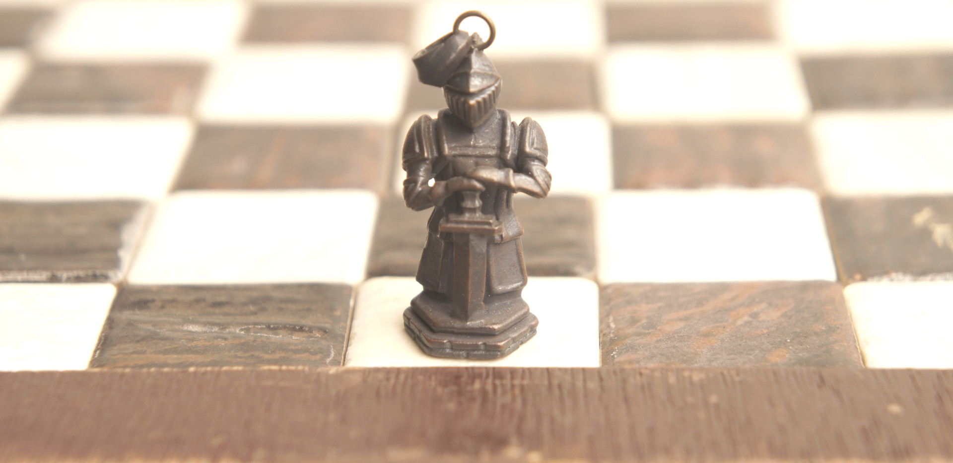 チェスのキングとして使用可能