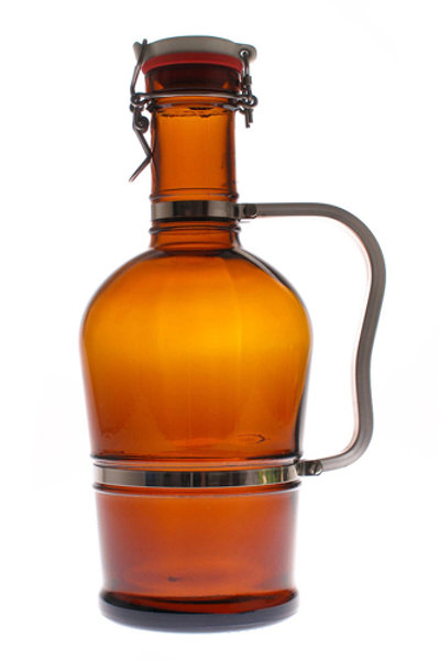 Brown bottle with metal handle and E.Z. cap, 2 liters