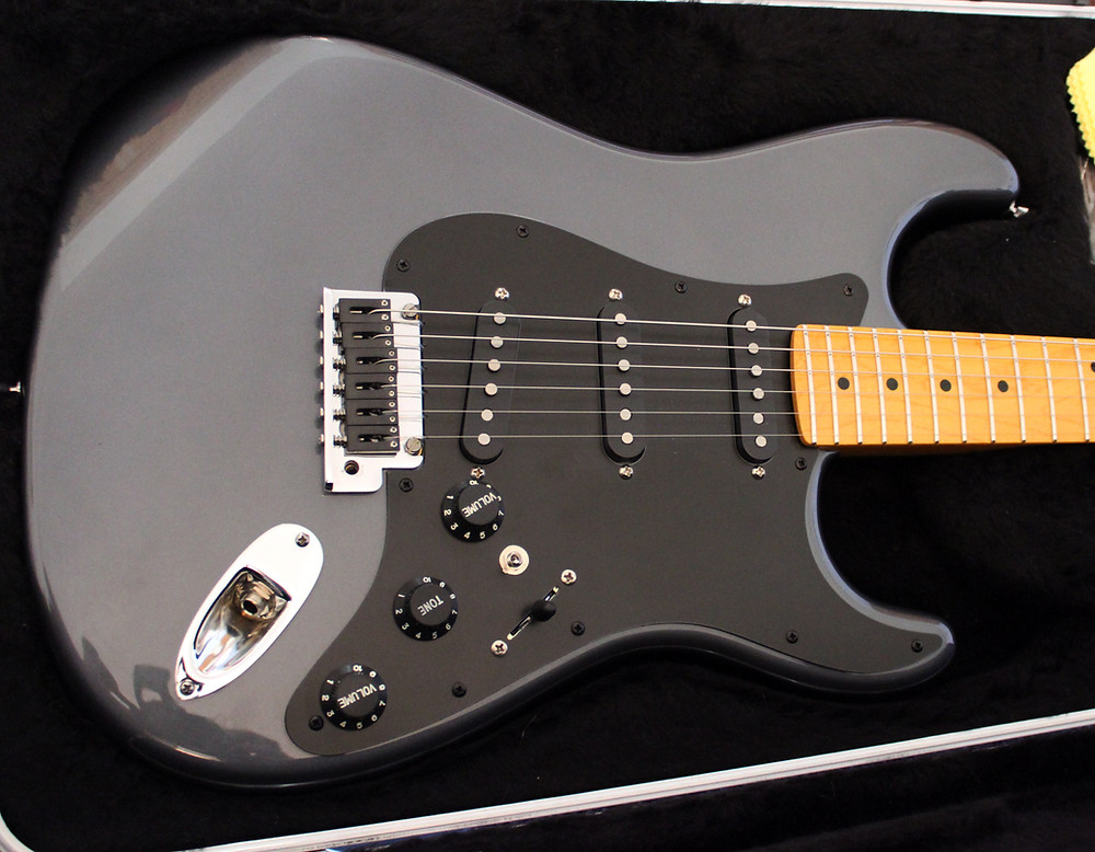 USA Strat with Ghost piezo system