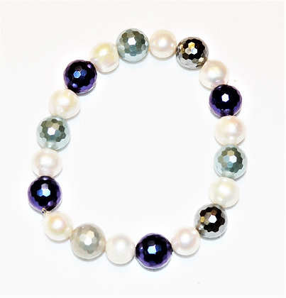 Shell and Freshwater Pearl Bracelet