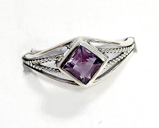 Amethyst Square Rope Ring