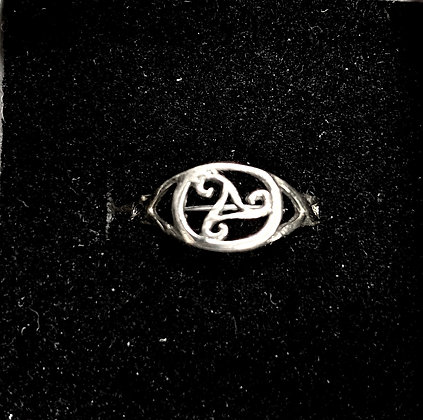 Trisceal Ring