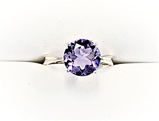 Amethyst Solitaire (Ribbon Band)