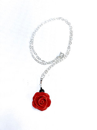 Rose Solitaire Necklace