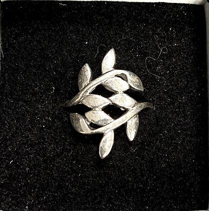 Double Laurel Leaf Ring
