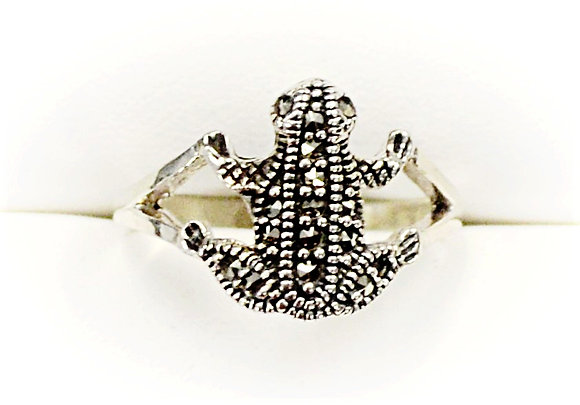 Sparkly Frog Ring
