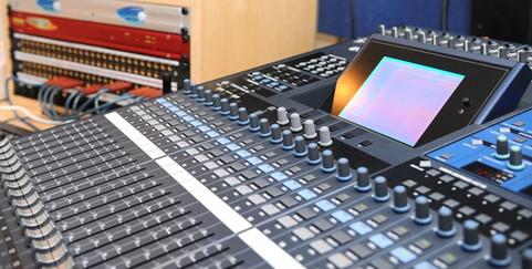 studio1-630x3201-630x320.jpg
