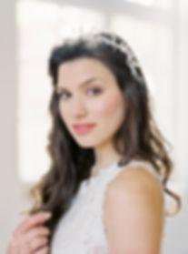 Isabel Plett organic Makeup & Hair Artistry natürliches Brautmakeup wildromantische Brautfrisuren