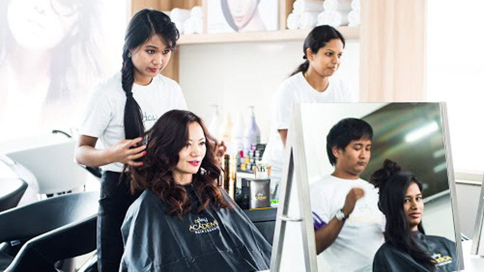 Hairdressing-as-a-Career-A-world-of-oppo