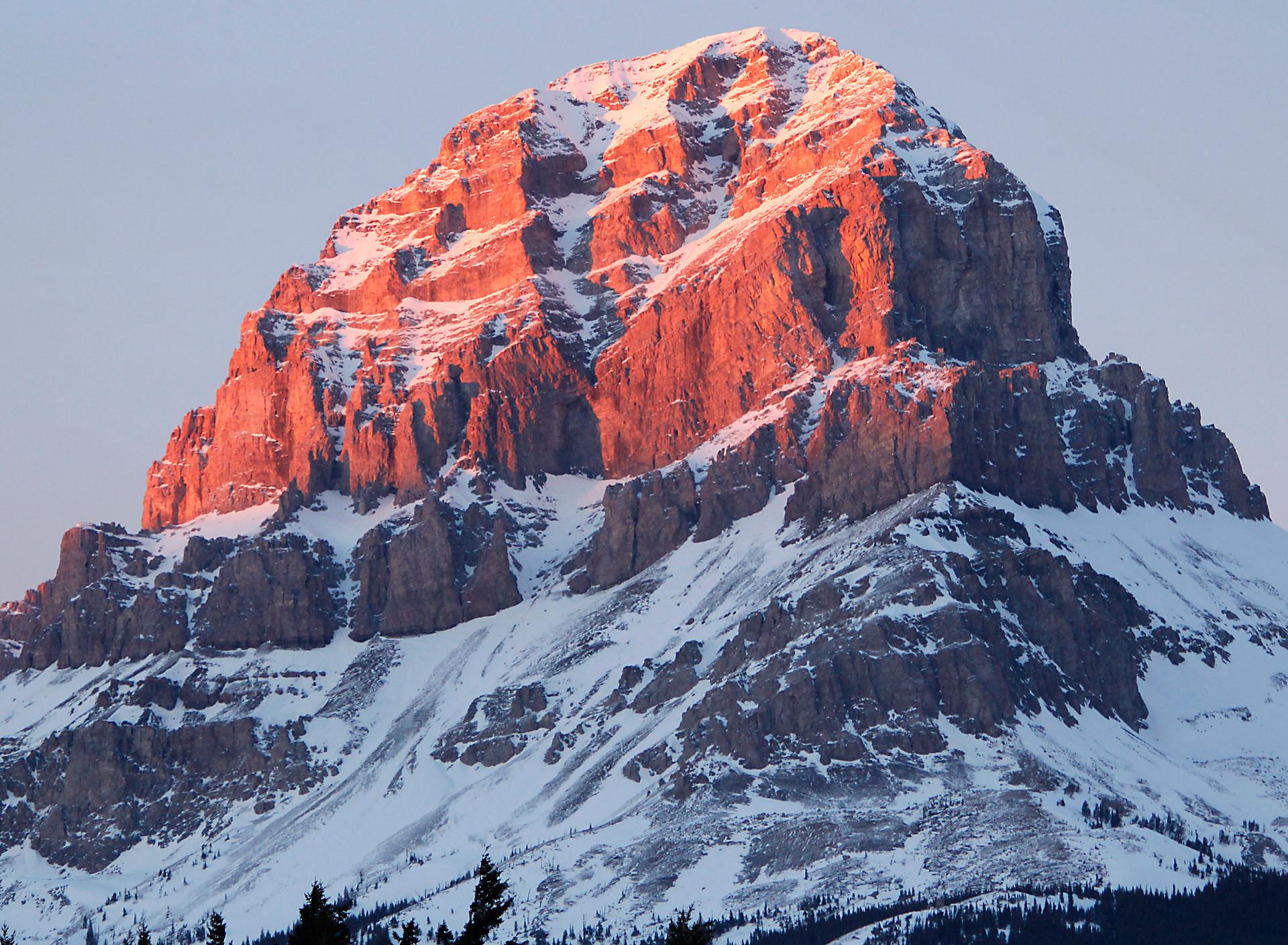Crowsnest Mountain