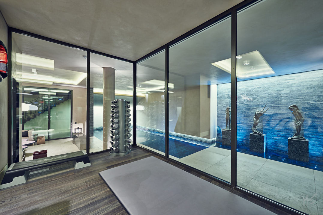 Swimming Pool & Fitness Area