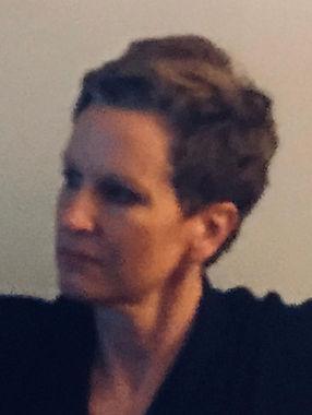 Victoria Arendt Bio Pic.jpg
