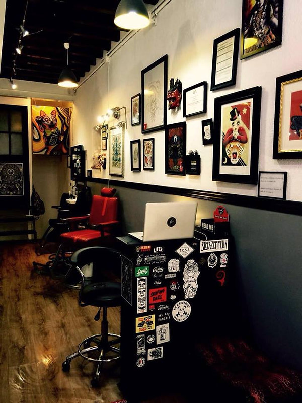 Lucky13Tattoo inside the studio