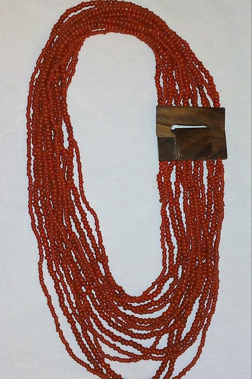 Collar de coral molido