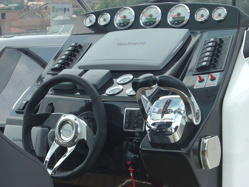 cabin-outboard-1