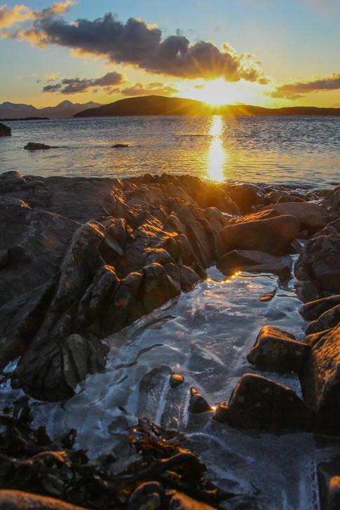 Sunset over Skye, Uags