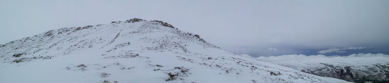 The ridge of Ben Enaiglair