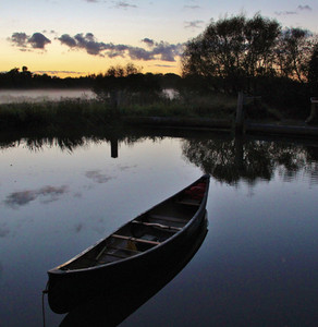 Canoe near Bowers Lock