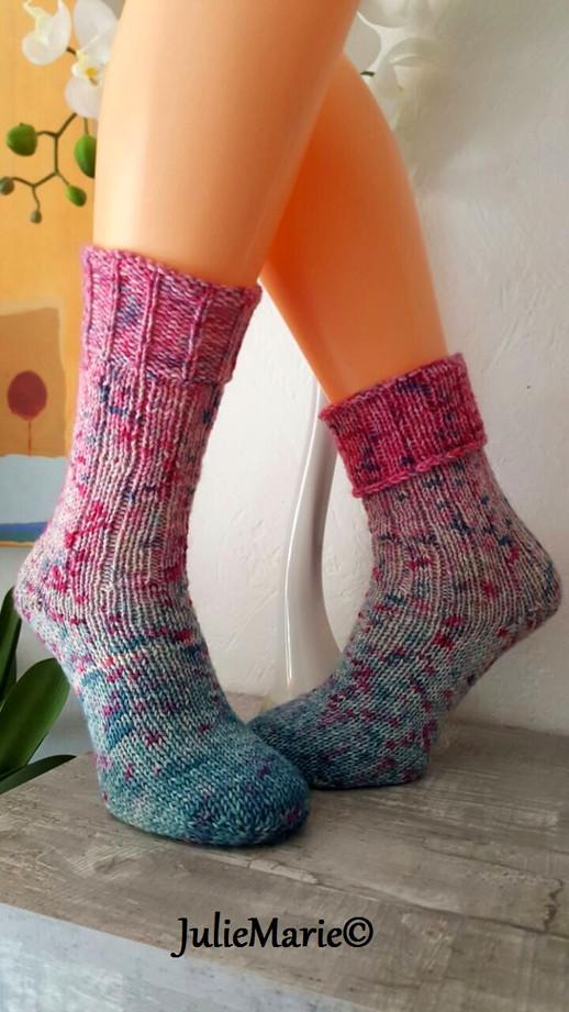 2 Gleiche Socken