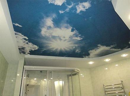 Натяжной потолок с фотопечатью в комнате 12 м2