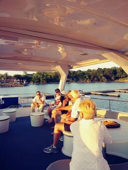 Pelican daytime guests deck 1