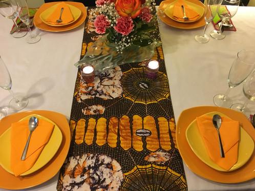 chemin de table wax multicolor imprim marron jaune moutarde decowax d coration mode et. Black Bedroom Furniture Sets. Home Design Ideas